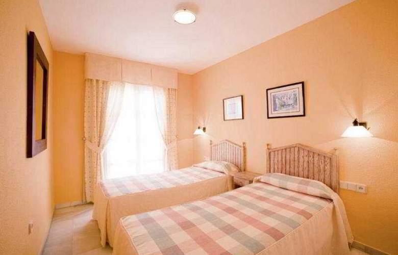Apartamentos Fenix Beach - Room - 2