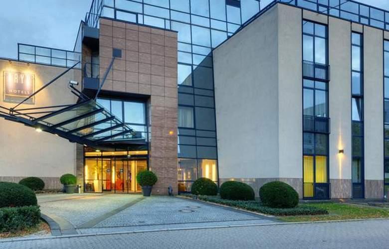Tryp Dusseldorf Airport - Hotel - 9