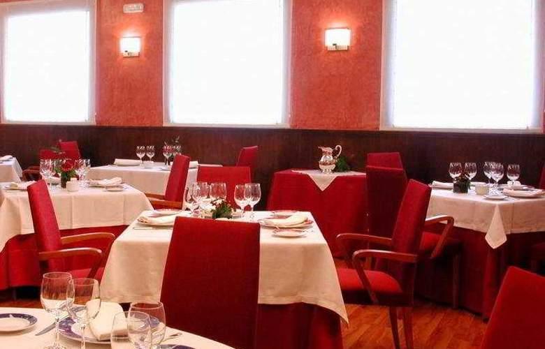 Hotel Sercotel Extremadura - Restaurant - 10