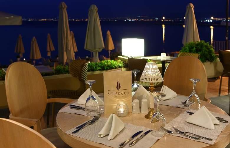 Golden Star Hotel - Restaurant - 38