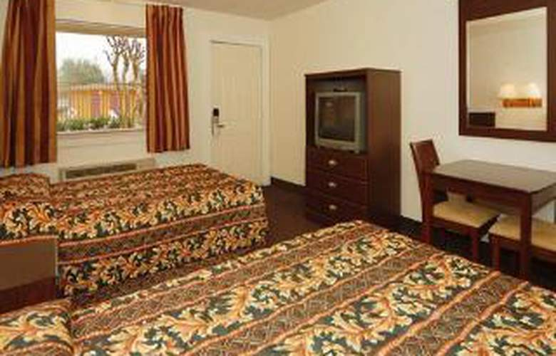 Rodeway Inn - Room - 5