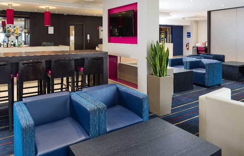 Holiday Inn Express Wandsworth Battersea - General - 7