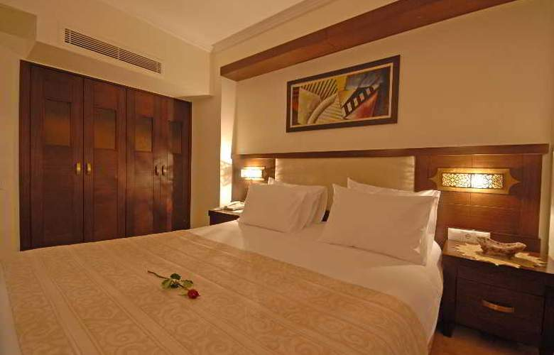 Tourist Hotel - Room - 4
