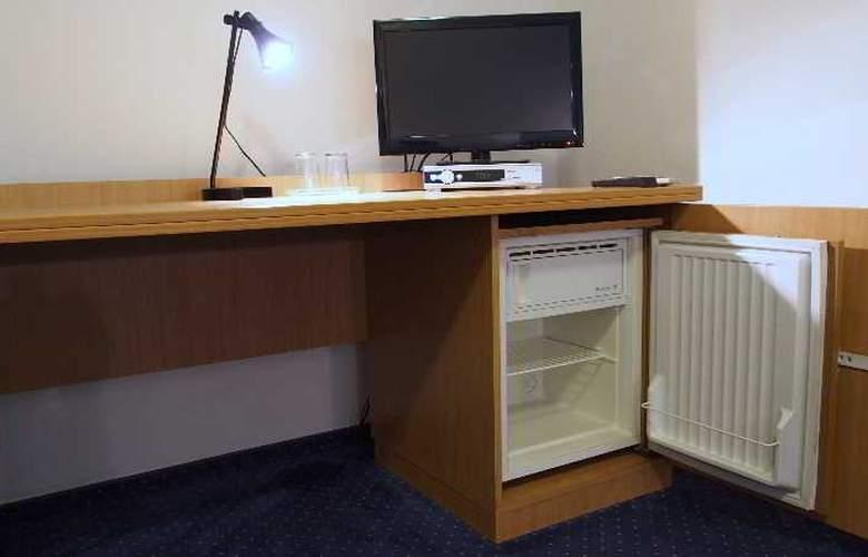 Telecom Guest - Room - 11
