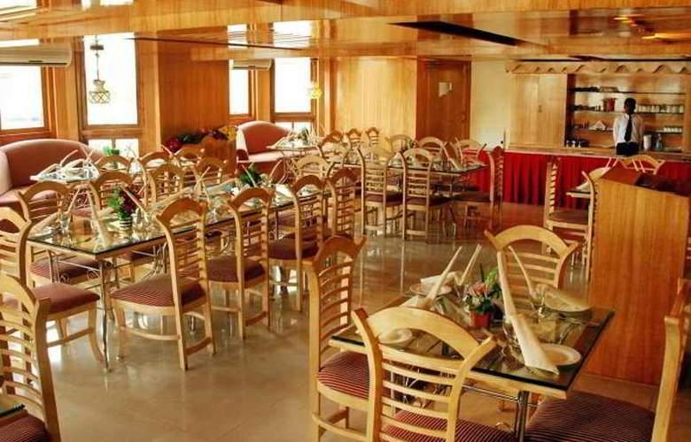 Singaar International - Restaurant - 8