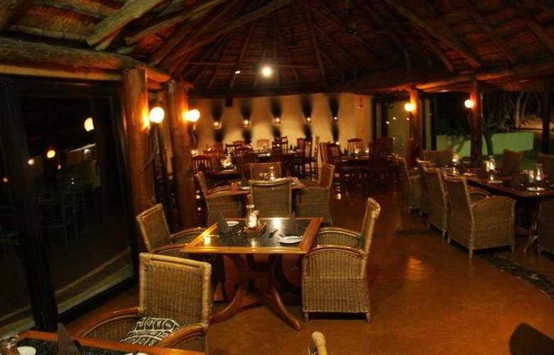 Zulu Nyala Heritage Safari Lodge - Restaurant - 1