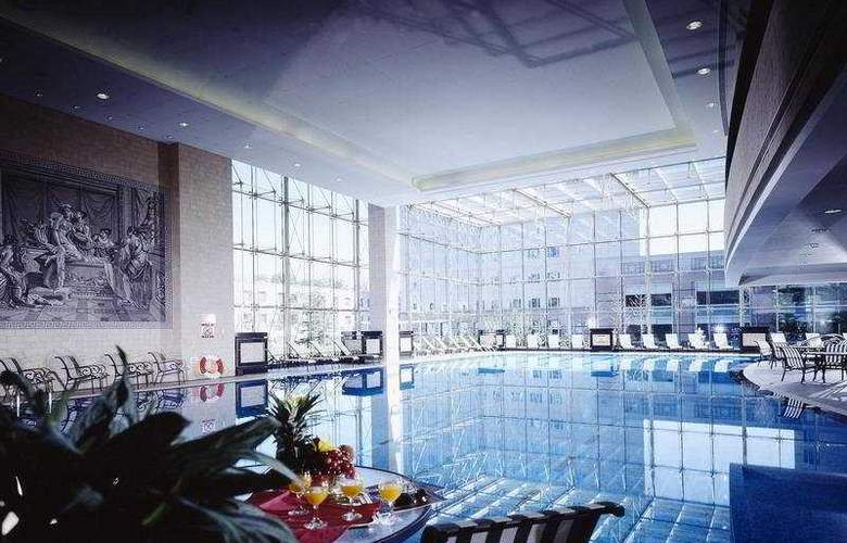 The St. Regis - Pool - 3