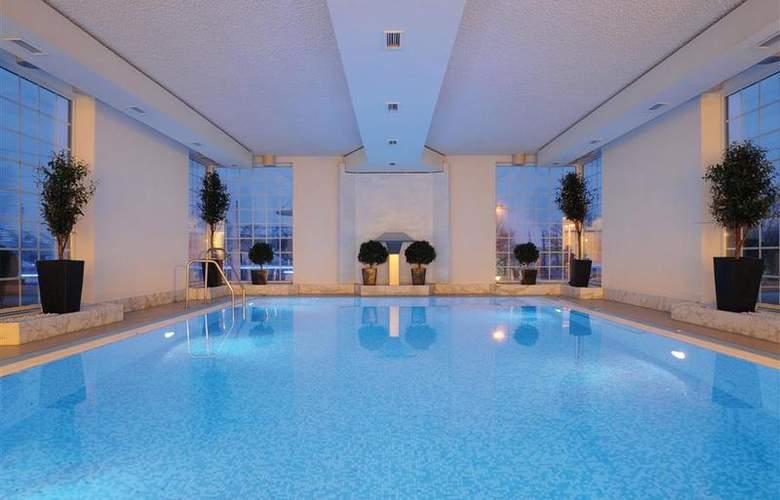 Best Western Premier Parkhotel Kronsberg - Pool - 1