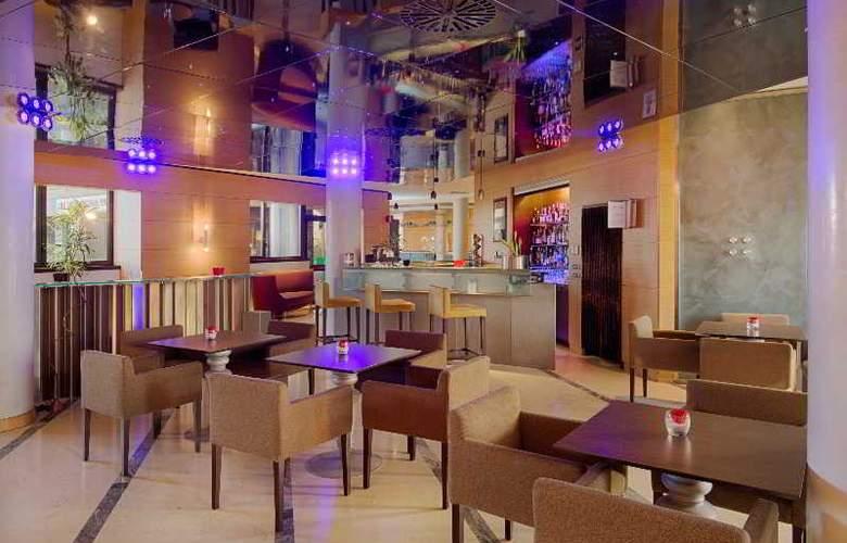 NH Bologna Villanova - Bar - 25