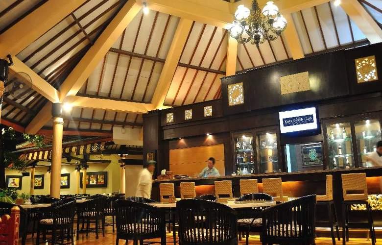 Sol House Kuta Bali - Bar - 20