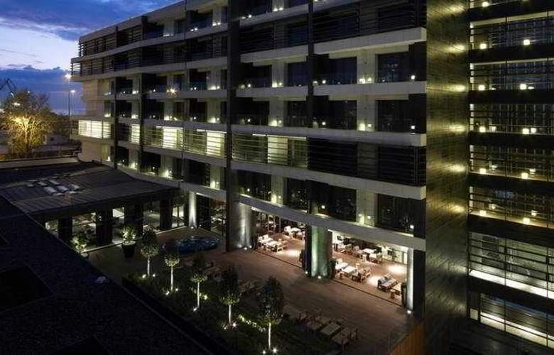 The Met - Hotel - 0