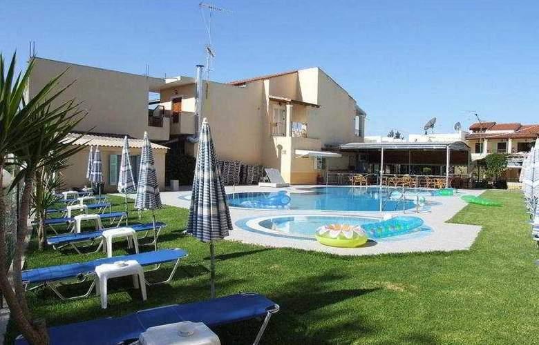 Panorama Apts Cfu - Pool - 5