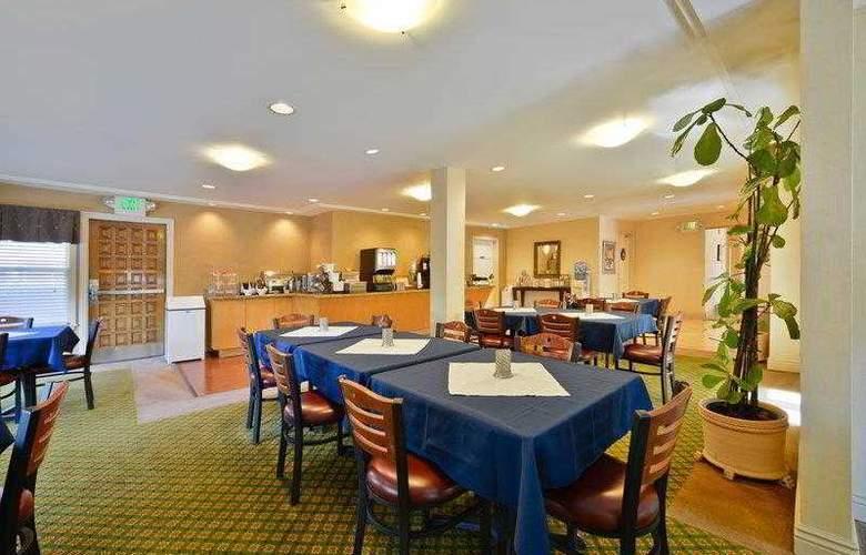 Best Western Plus Mountain View Inn - Hotel - 17