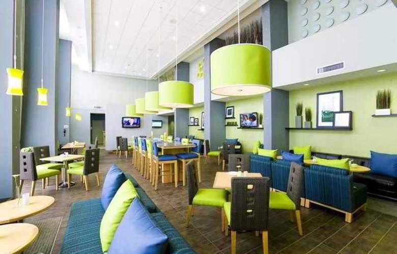 Hampton Inn & Suites Sarasota/Bradenton-Airport - Hotel - 10