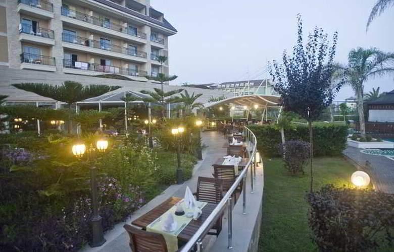 Crystal Family Resort&Spa - Hotel - 11