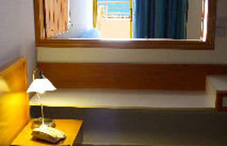 Myro Androu Hotel Apts - Room - 5