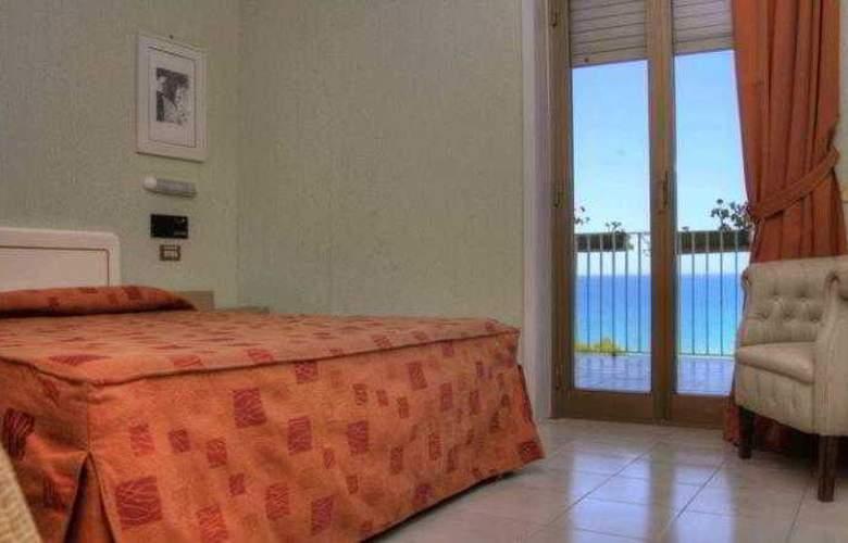 Paradise Beach - Room - 0