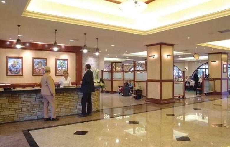 Navarria - Hotel - 0