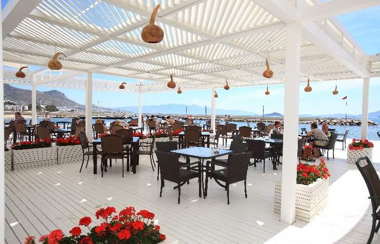 La Blanche Resort & Spa - Bar - 6