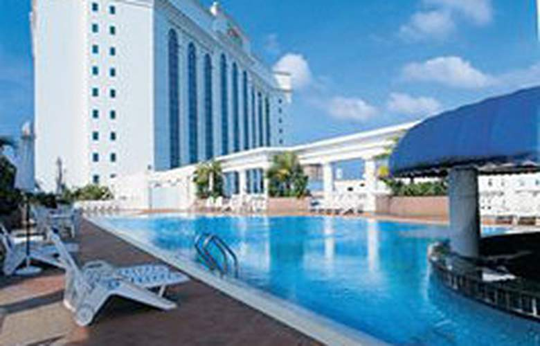 The Zon Regency Hotel By The Sea, Johor - Pool - 2