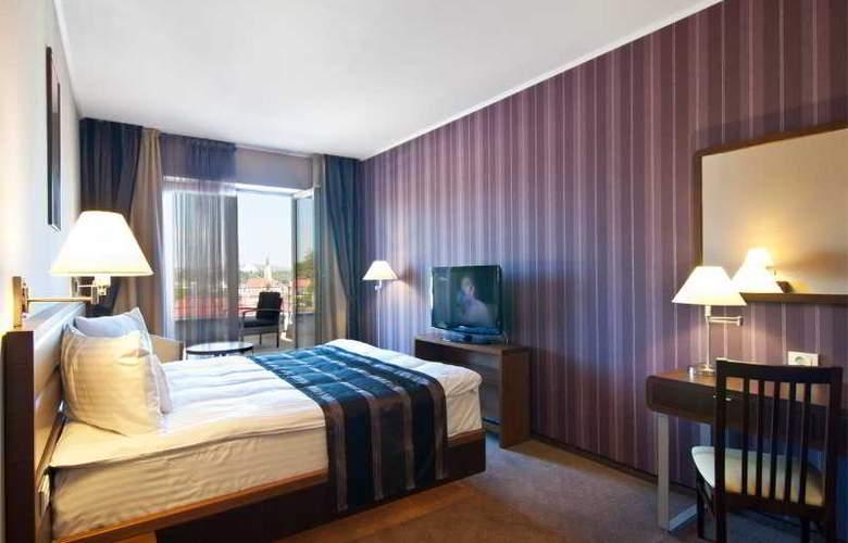 Ramada Cluj Hotel - Room - 18