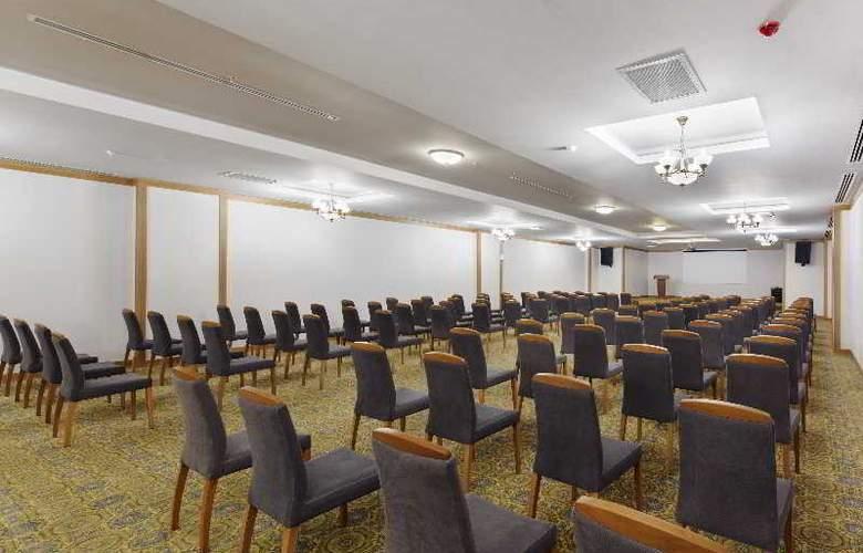 Zen The Inn Resort & Spa - Conference - 5