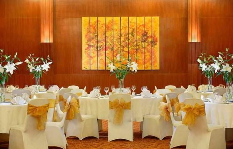 Hotel Santika Jemursari - Conference - 2
