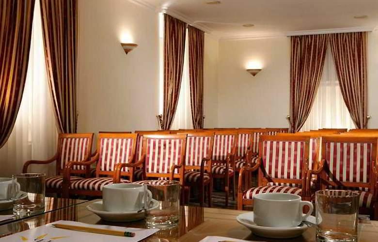 Prime Hotel Villa Torlonia - Conference - 10