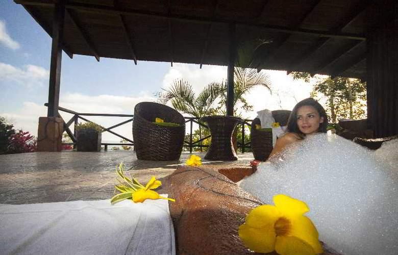 GreenLagoon Wellbeing Resort - Terrace - 40
