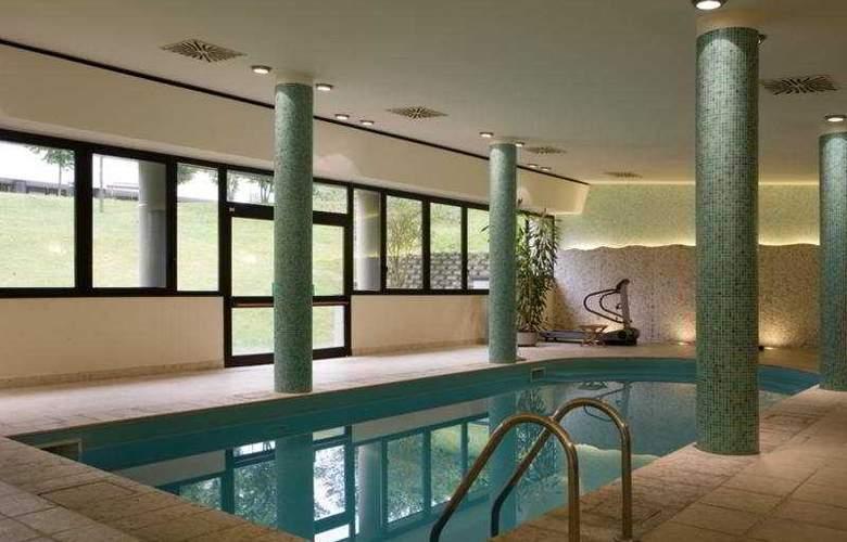 NH Bologna Villanova - Pool - 6