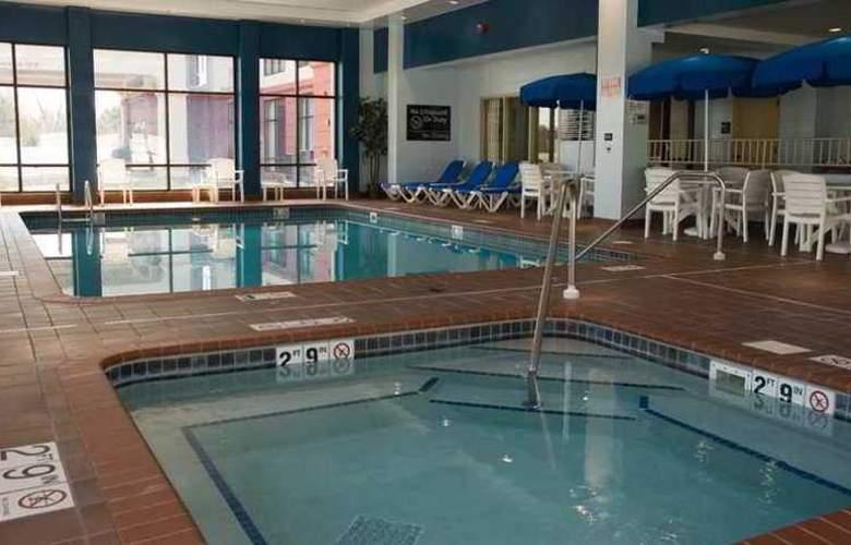 Hampton Inn & Suites Lino Lakes - Hotel - 3