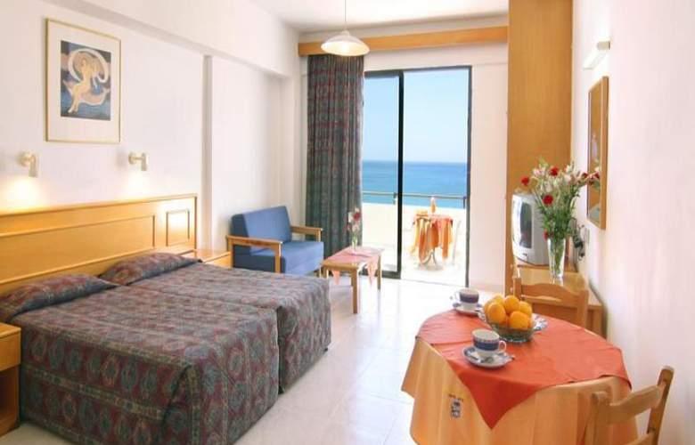 Corallia Beach Apartments - Room - 10