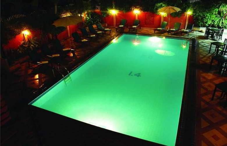 Chiang Mai Gate Hotel - Pool - 6