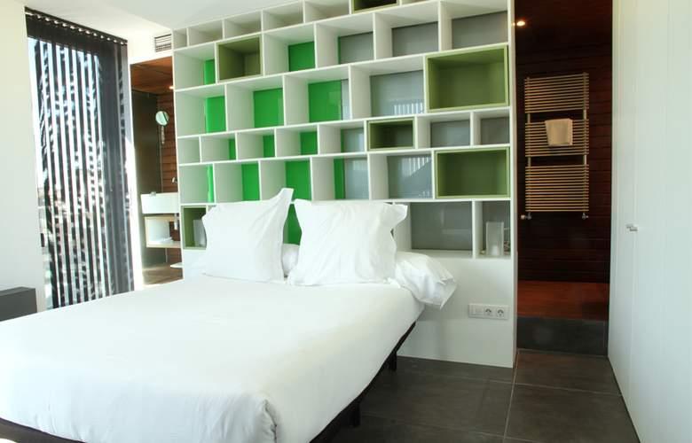 Apartamentos Just Style - Room - 2