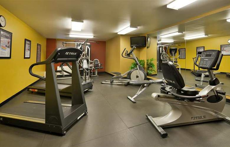Best Western Dubuque Hotel & Conference Center - Sport - 121