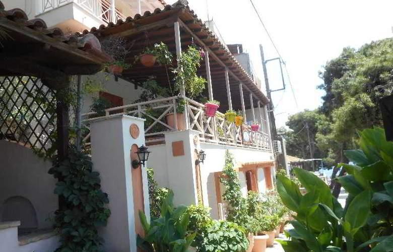 Galazios Kolpos Pension - Hotel - 9