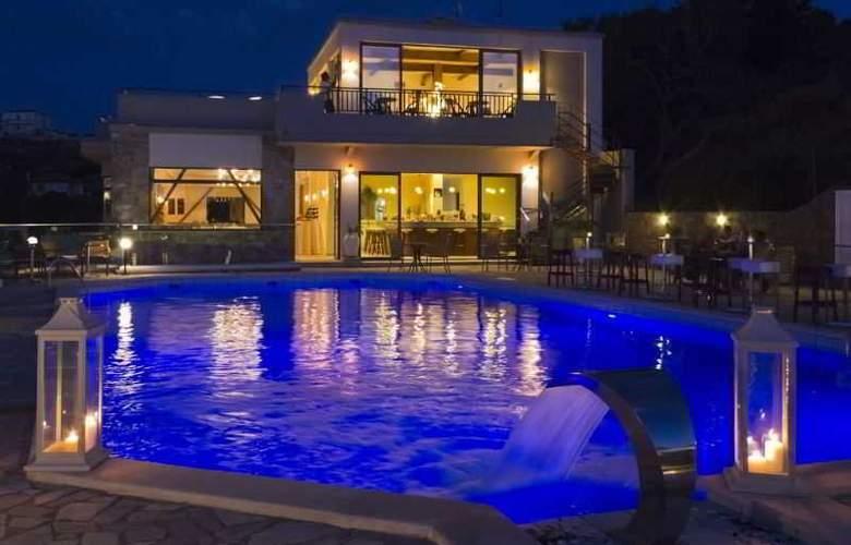 Happy Cretan Suites - Pool - 12