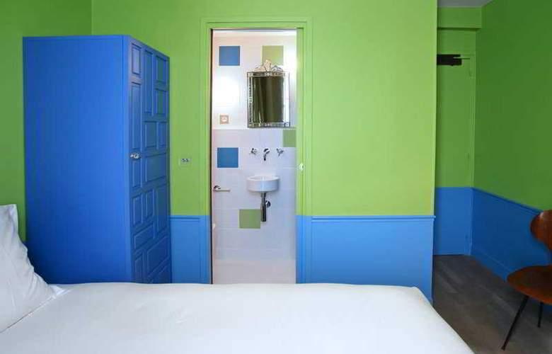 Crayon - Room - 6