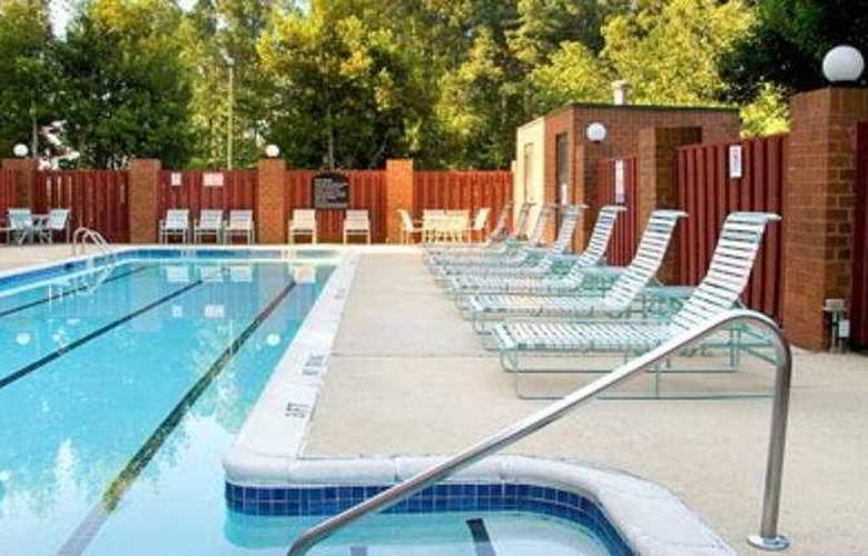 Hilton Garden Inn Durham RTP - Pool - 6