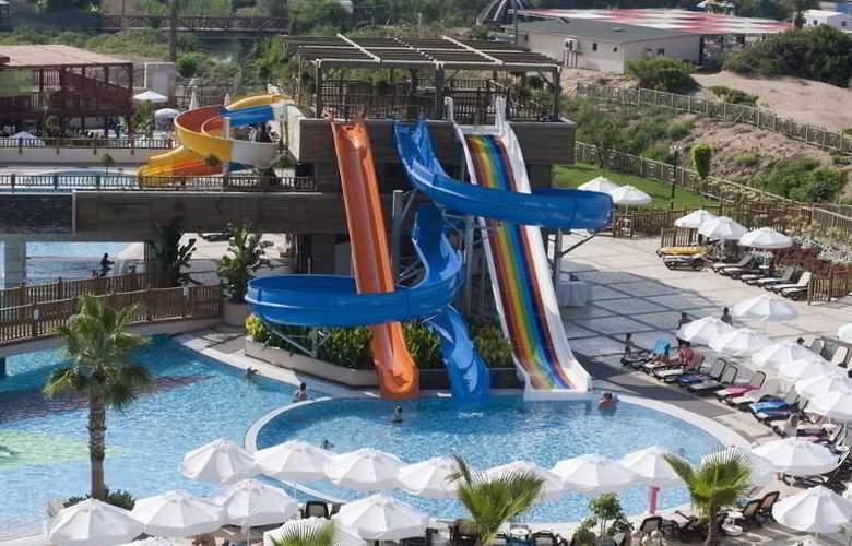 Crystal Palace Luxury Resort & Spa - Pool - 18
