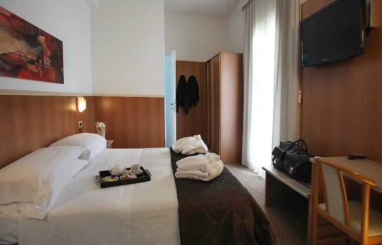 Principe di Piemonte (Rimini) - Room - 10
