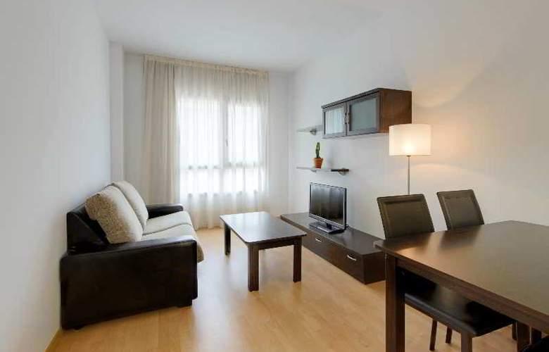 Tryp Madrid Airport Suites - Room - 16