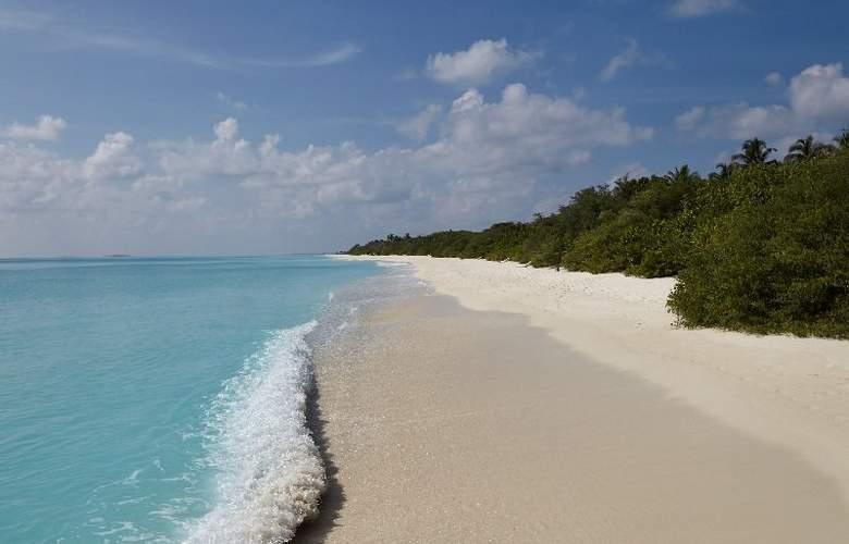 Palm Beach Resort & Spa Maldives - Beach - 2