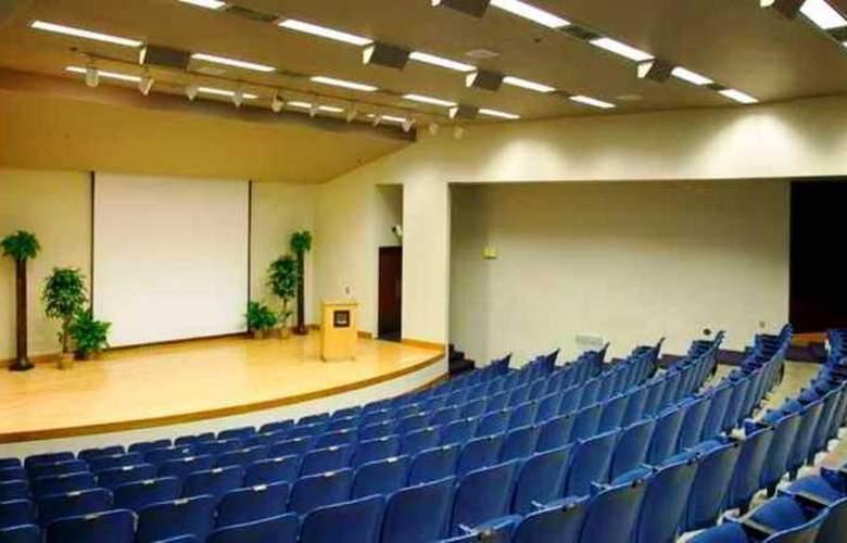 Hilton Garden Inn Corvallis - Conference - 10