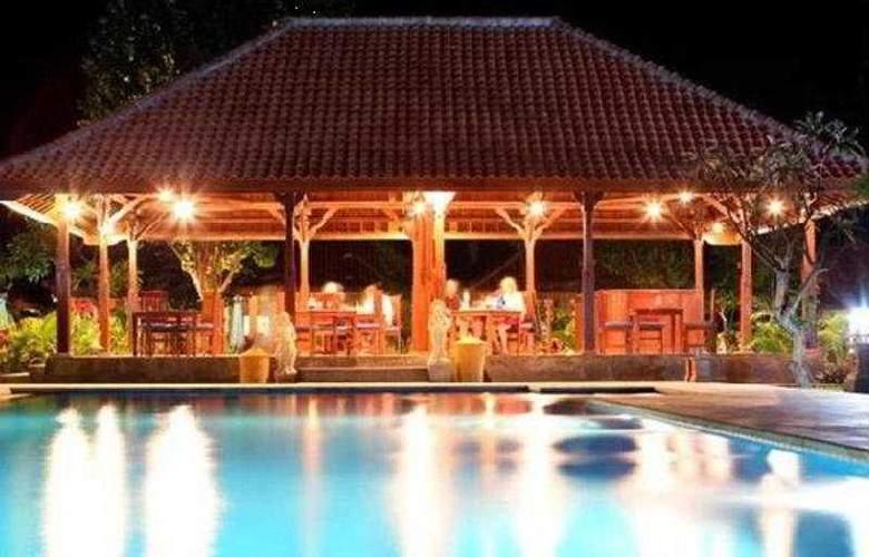 Adi Assri Beach Cottages Singaraja - Pool - 4