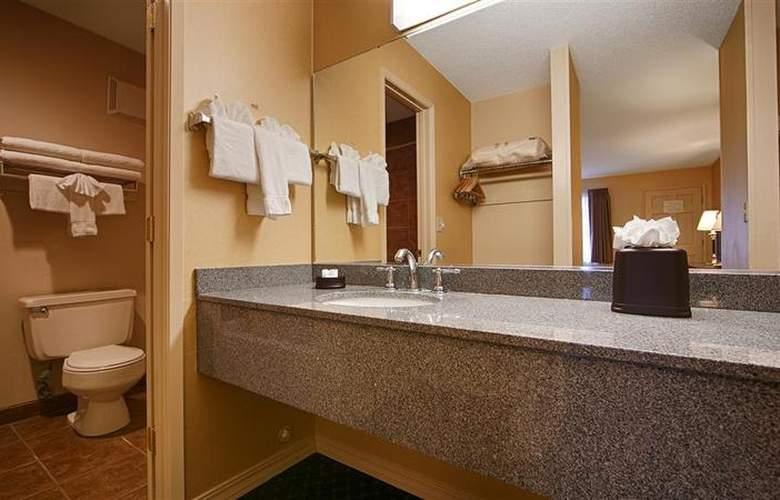 Best Western Lakewood Motor Inn - Room - 14