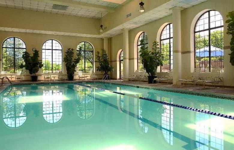 Sheraton Parsippany Hotel - Pool - 31