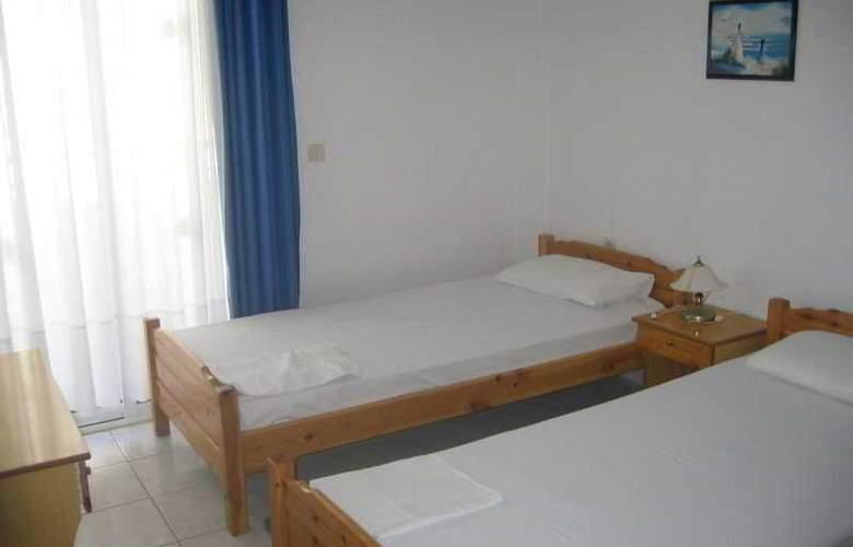Molos Apartments - Room - 4