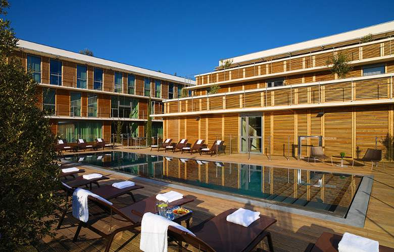 Courtyard By Marriot Montpellier - Pool - 10