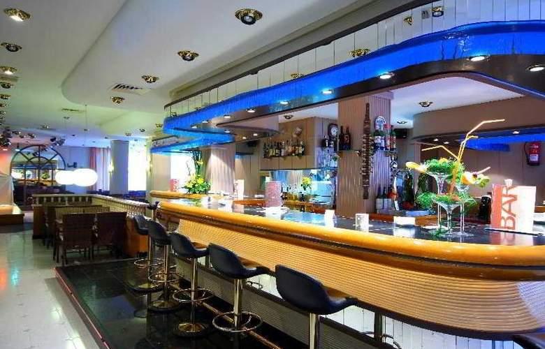 Valentin Reina Paguera Hotel - Solo Adultos - Bar - 4